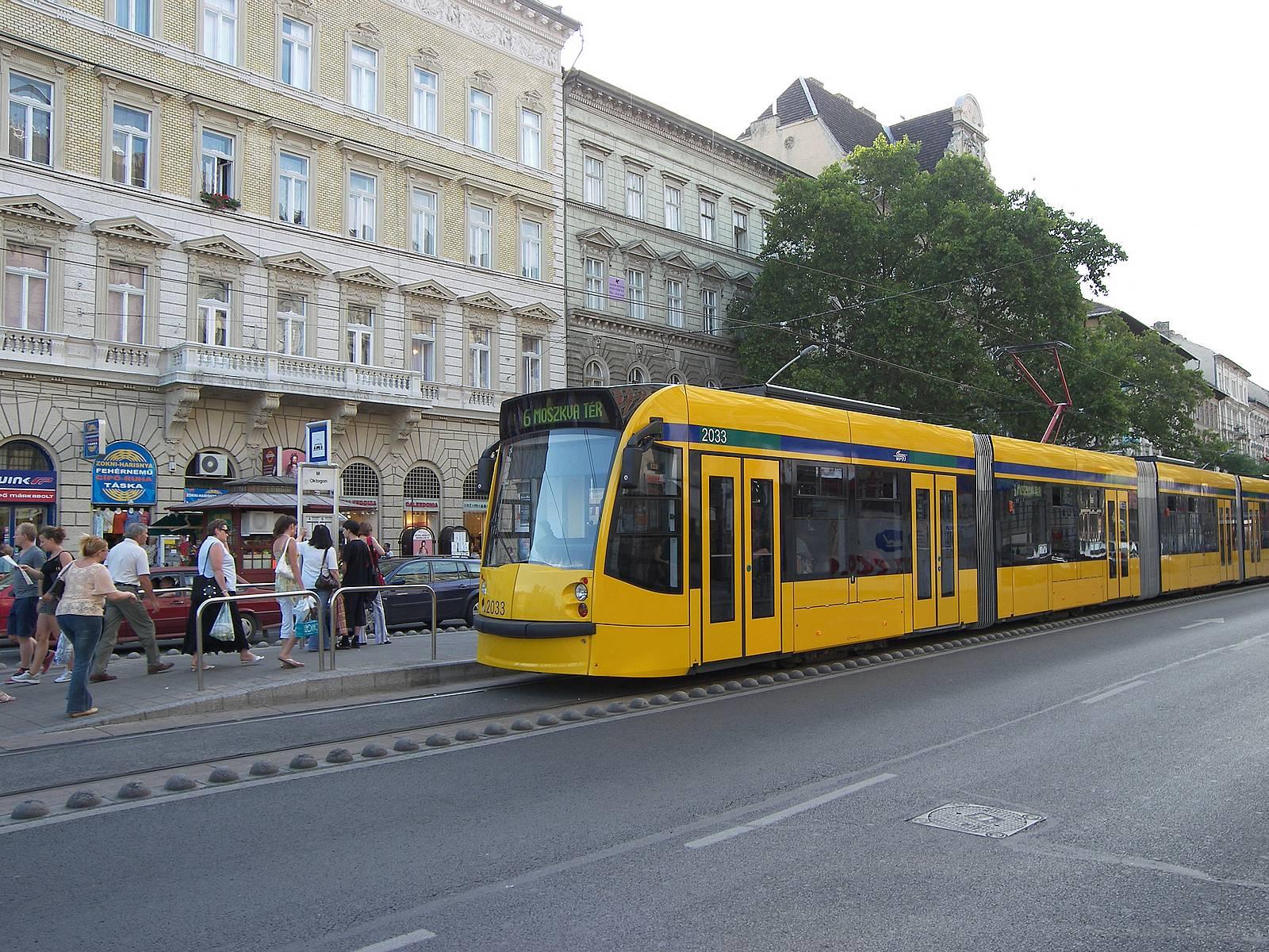 Трамвайни ограничители по трамвайните трасета в Будапеща