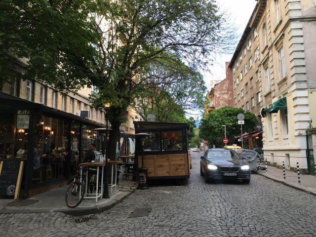 Заслужава ли Raffy тротоарно право?