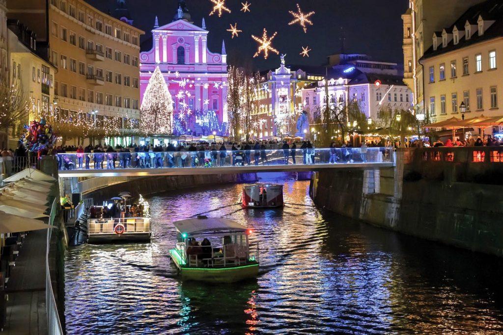 Коледните светлини в Любляна