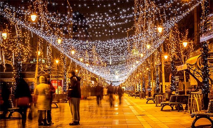 Коледните светлини в Скопие