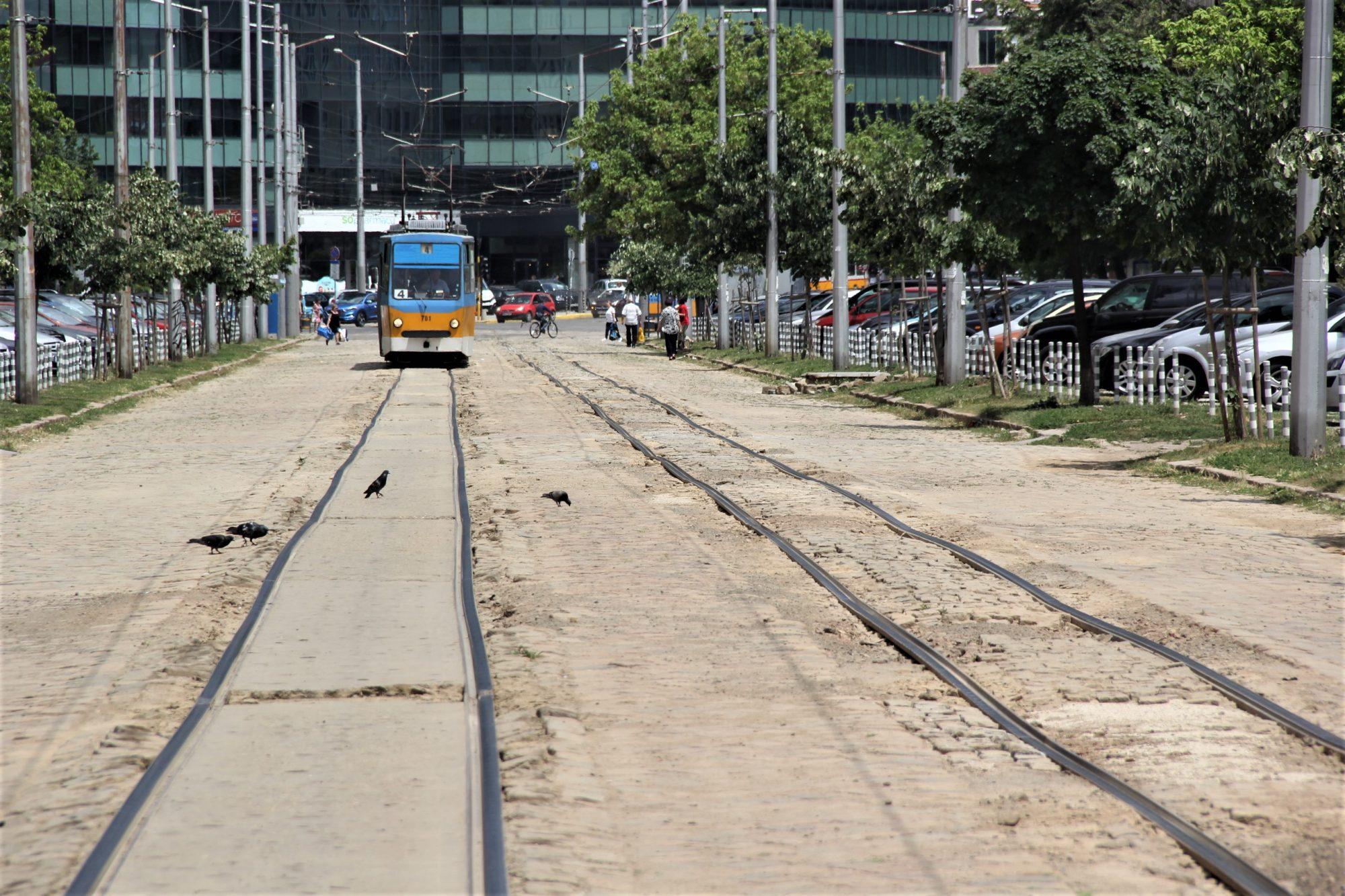 Трамвайните трасета на София са като тези в Сибир (Галерия)